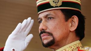 Raja Terkaya Kedua Ini Habiskan Rp1,6 Miliar untuk Pangkas Rambut