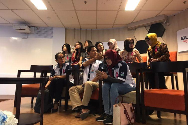 Ikatan Awak Kabin Garuda Indonesia (IKAGI) di Kementerian BUMN, Jakarta, Senin (9/12/2019).(Foto: KOMPAS.com/AKHDI MARTIN PRATAMA)