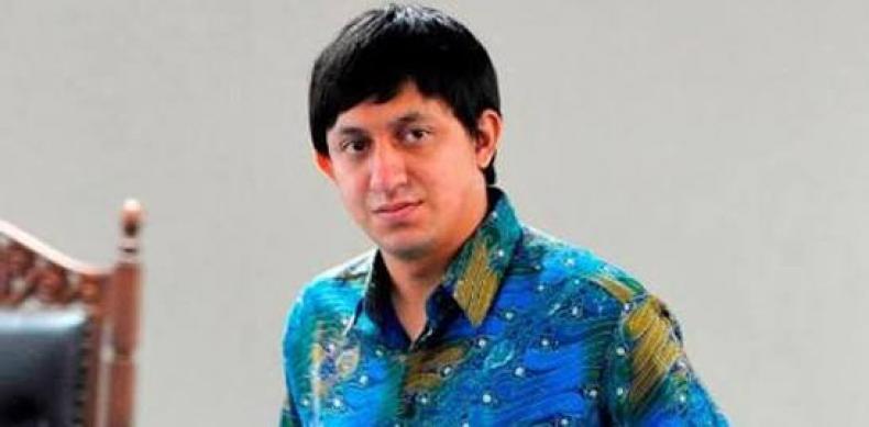Mantan terpidana kasus korupsi pendgadaan Al-Quran Fahd El Fouz (konfrontasi)