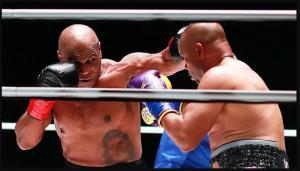 Duel Lawan Roy Jones, Mike Tyson Tampil Seperti Anak Muda